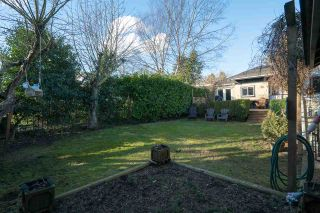 Photo 17: 15620 RUSSELL Avenue: White Rock House for sale (South Surrey White Rock)  : MLS®# R2140276