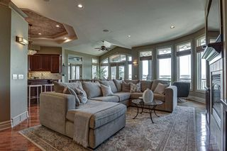 Photo 8: 251 Slopeview Drive SW in Calgary: Springbank Hill Detached for sale : MLS®# A1132385