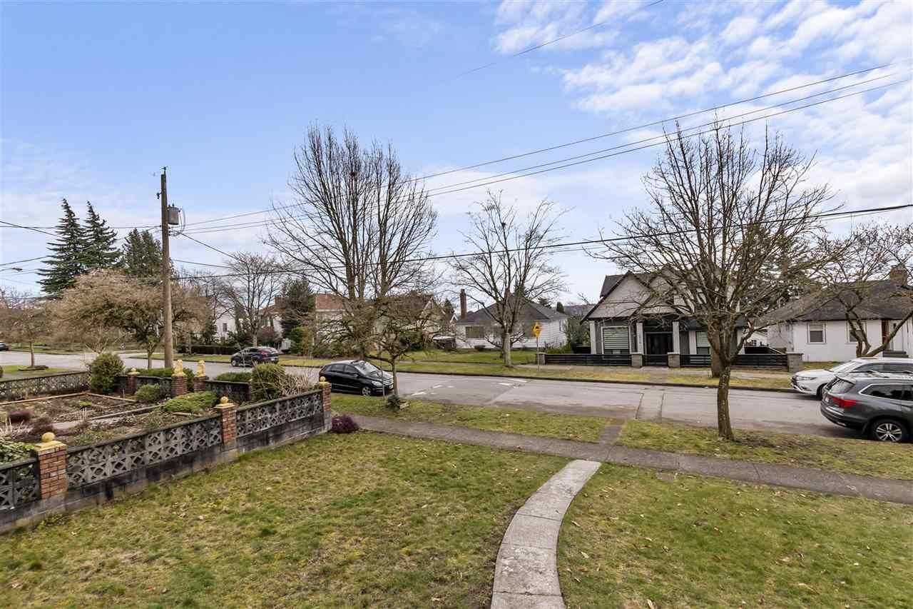 Photo 22: Photos: 1913 EDINBURGH Street in New Westminster: West End NW House for sale : MLS®# R2547519
