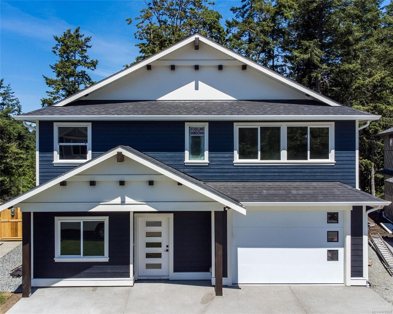 Main Photo: 916 Blakeon Pl in : La Olympic View House for sale (Langford)  : MLS®# 878963