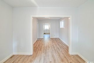 Photo 3: 323 G Avenue South in Saskatoon: Riversdale Residential for sale : MLS®# SK866116