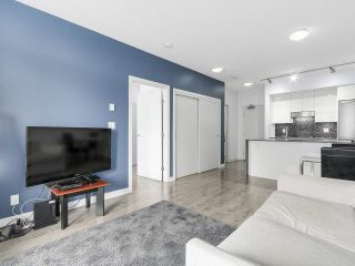 "Photo 2: 510 2788 PRINCE EDWARD Street in Vancouver: Mount Pleasant VE Condo for sale in ""UPTOWN"" (Vancouver East)  : MLS®# R2148686"
