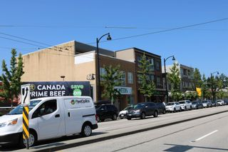"""Photo 5: 2576 KINGSWAY in Vancouver: Collingwood VE Multi-Family Commercial for sale in """"Mountainview Flats"""" (Vancouver East)  : MLS®# C8039679"""