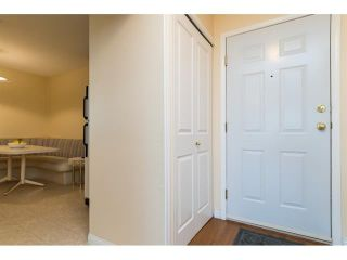 Photo 5: 303 7435 121A Street in Surrey: West Newton Condo for sale : MLS®# R2329200