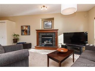 Photo 7: 108 Thetis Vale Cres in VICTORIA: VR Six Mile House for sale (View Royal)  : MLS®# 707982