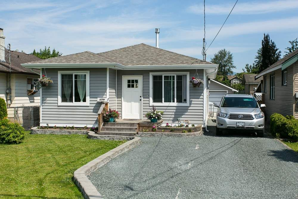 Main Photo: 46155 BONNY Avenue in Chilliwack: Chilliwack N Yale-Well House for sale : MLS®# R2281195