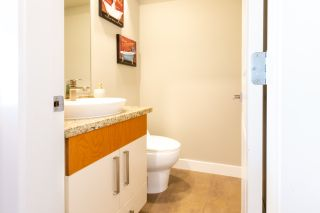 """Photo 10: 23 19448 68 Avenue in Surrey: Clayton Townhouse for sale in """"NUOVO"""" (Cloverdale)  : MLS®# R2413880"""