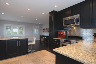 Photo 8: 803 CALVERHALL Street in North Vancouver: Calverhall House for sale : MLS®# V1055291