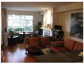 "Photo 3: 13 6539 ELGIN Avenue in Burnaby: Forest Glen BS Townhouse for sale in ""OAKWOOD"" (Burnaby South)  : MLS®# V738347"