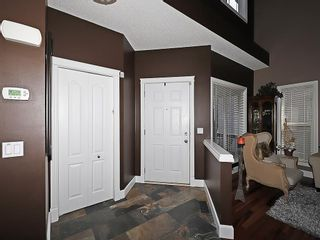 Photo 2: 129 EVANSCOVE Circle NW in Calgary: Evanston House for sale : MLS®# C4185596