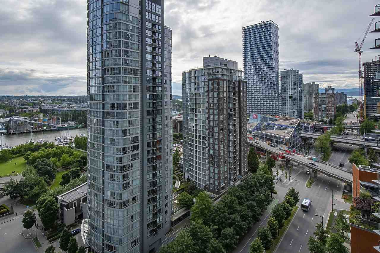 """Photo 29: Photos: 2001 499 PACIFIC Street in Vancouver: Yaletown Condo for sale in """"The Charleson"""" (Vancouver West)  : MLS®# R2456013"""
