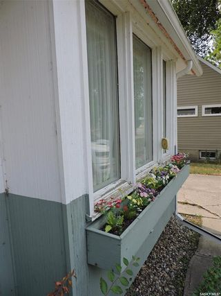 Photo 3: 68 King Street West in Yorkton: South YO Residential for sale : MLS®# SK867168