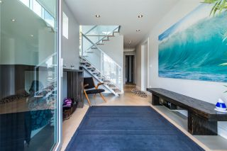 Photo 2: 41120 ROCKRIDGE Place in Squamish: Tantalus House for sale : MLS®# R2164124