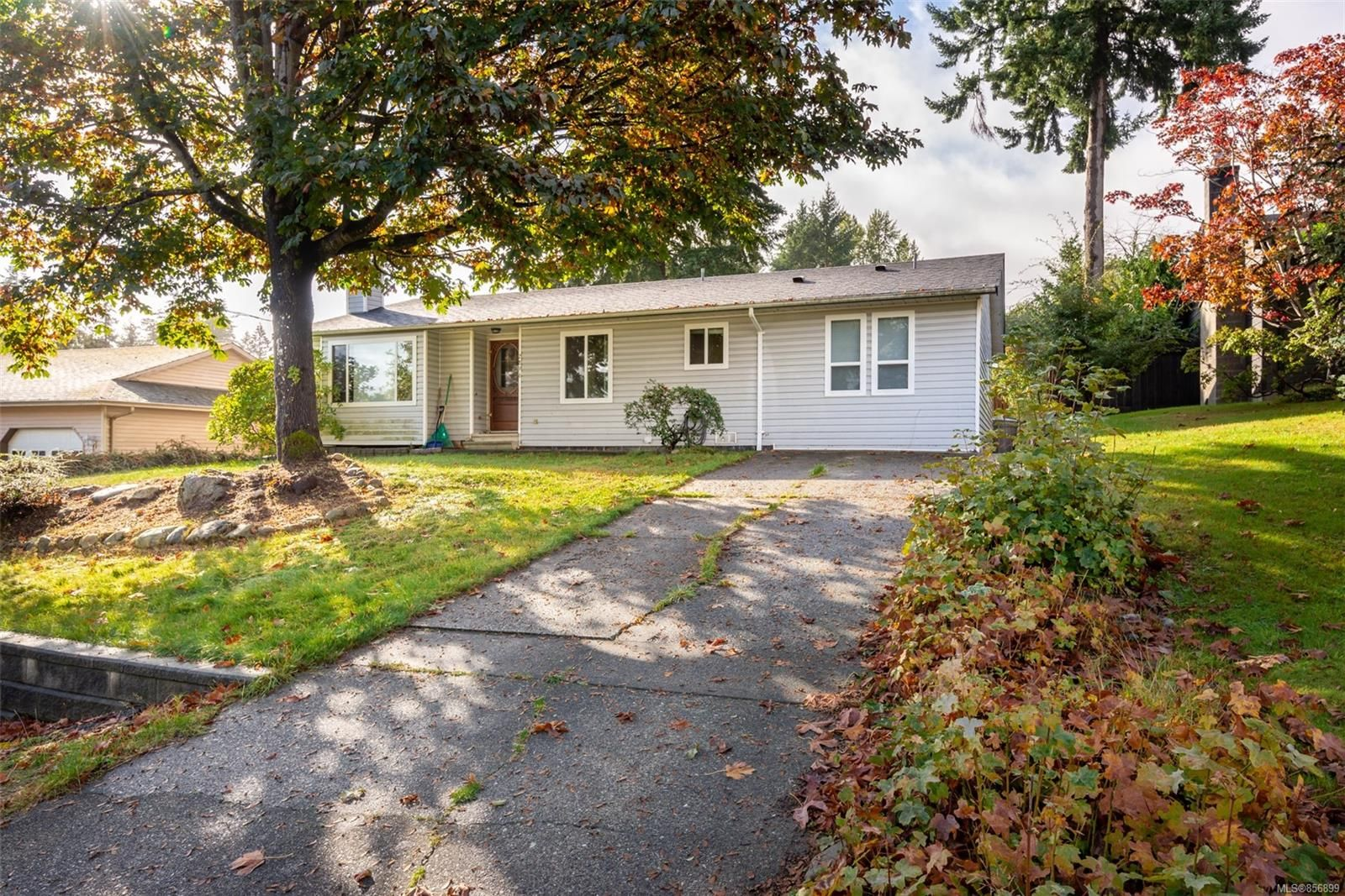 Main Photo: 2896 Apple Dr in : CR Willow Point House for sale (Campbell River)  : MLS®# 856899