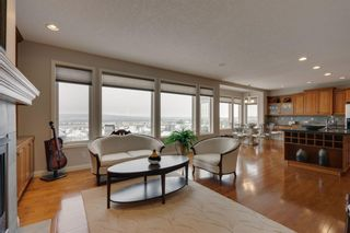 Photo 11: 52 Springbluff Lane SW in Calgary: Springbank Hill Detached for sale : MLS®# A1043718