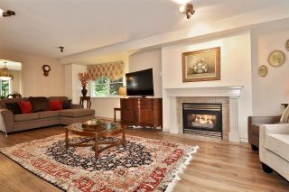 "Photo 2: 17 3300 PLATEAU Boulevard in Coquitlam: Westwood Plateau Townhouse for sale in ""Boulevard Green"" : MLS®# R2440695"