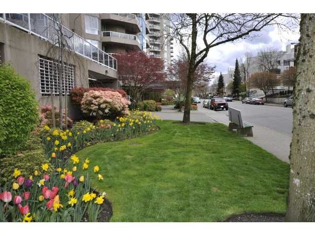 "Photo 10: Photos: 1806 1235 QUAYSIDE Drive in New Westminster: Quay Condo for sale in ""THE RIVERA"" : MLS®# V822108"