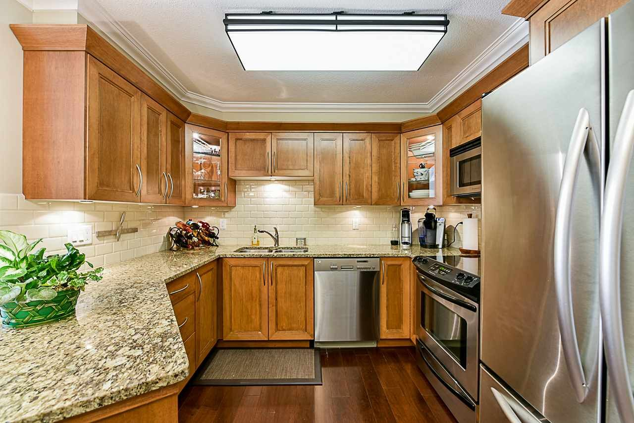 Photo 3: Photos: 213 25 RICHMOND STREET in New Westminster: Fraserview NW Condo for sale : MLS®# R2357441