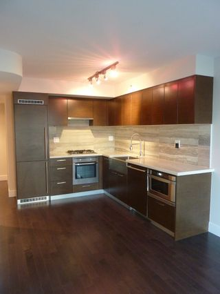 Photo 2: 806 535 SMITHE STREET in : Downtown VW Condo for sale (Vancouver West)  : MLS®# V995226