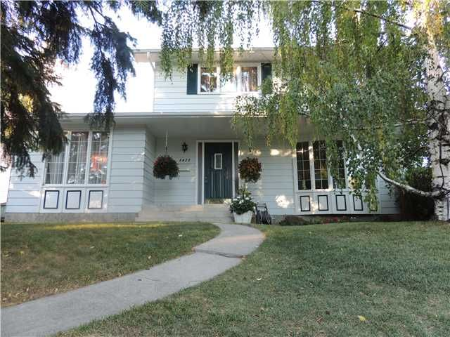 FEATURED LISTING: 5432 DALRYMPLE Crescent Northwest CALGARY