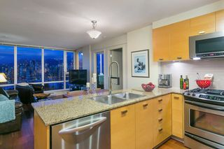 "Photo 13: 802 2483 SPRUCE Street in Vancouver: Fairview VW Condo for sale in ""Skyline"" (Vancouver West)  : MLS®# R2151780"