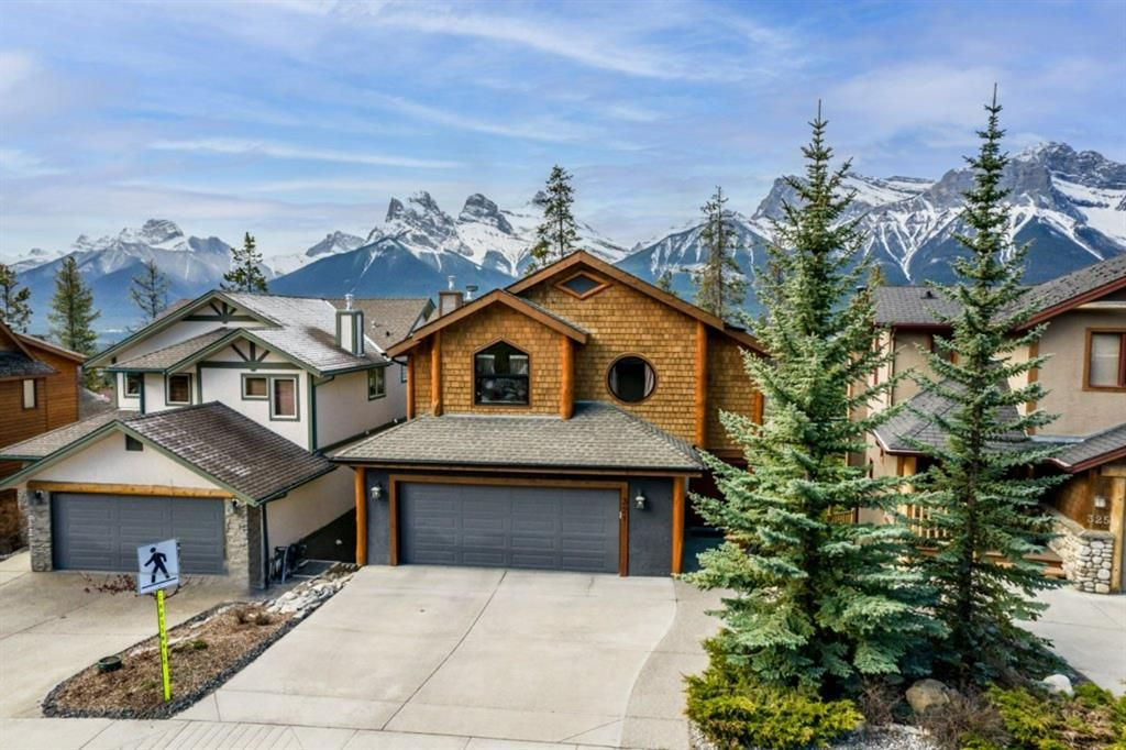 Main Photo: 321 Eagle Heights: Canmore Detached for sale : MLS®# A1113119