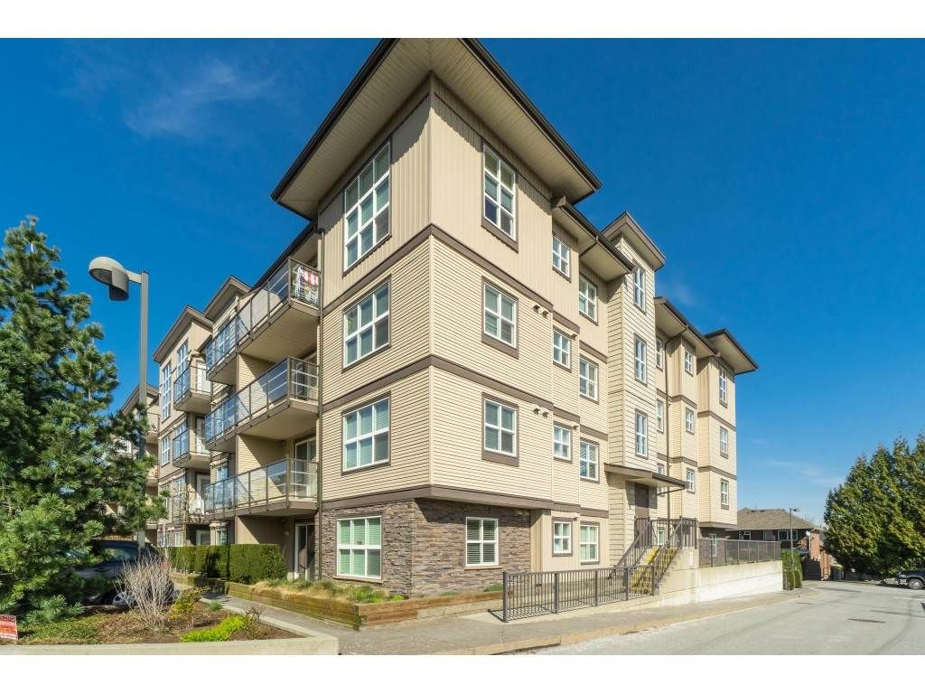"Photo 2: Photos: 407 30525 CARDINAL Avenue in Abbotsford: Abbotsford West Condo for sale in ""Tamarind"" : MLS®# R2446195"