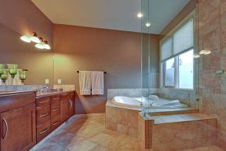 Photo 13: 2319 JUNIPER Road NW in CALGARY: Briar Hill Residential Detached Single Family for sale (Calgary)  : MLS®# C3595837