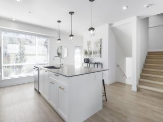 """Photo 8: 14 2825 159 Street in Surrey: Grandview Surrey Townhouse for sale in """"Greenway"""" (South Surrey White Rock)  : MLS®# R2488703"""