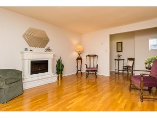 """Photo 6: 911 555 W 28TH Street in North Vancouver: Upper Lonsdale Condo for sale in """"CEDAR BROOKE VILLAGE"""" : MLS®# R2027545"""
