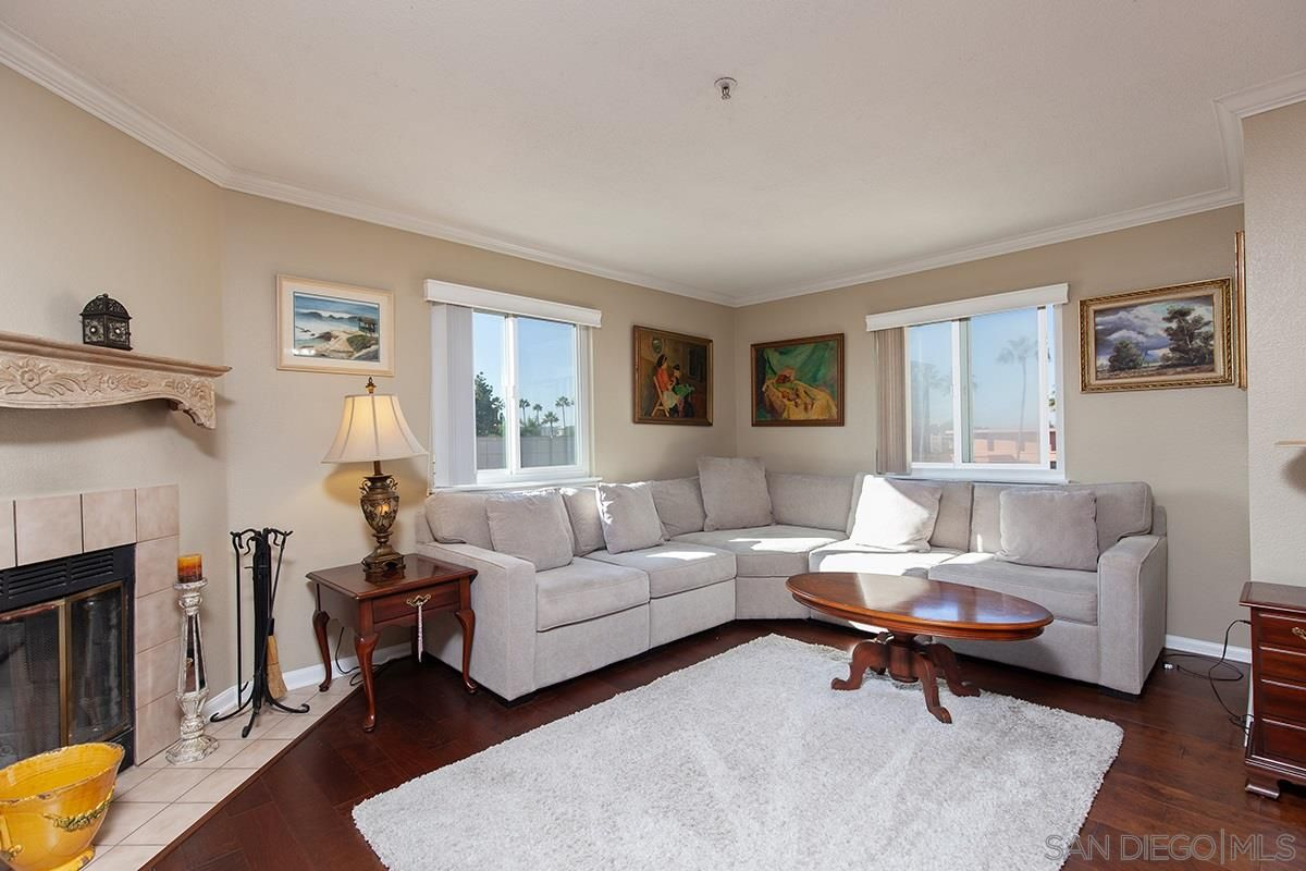 Main Photo: UNIVERSITY CITY Condo for sale : 2 bedrooms : 3550 Lebon Dr #6428 in San Diego