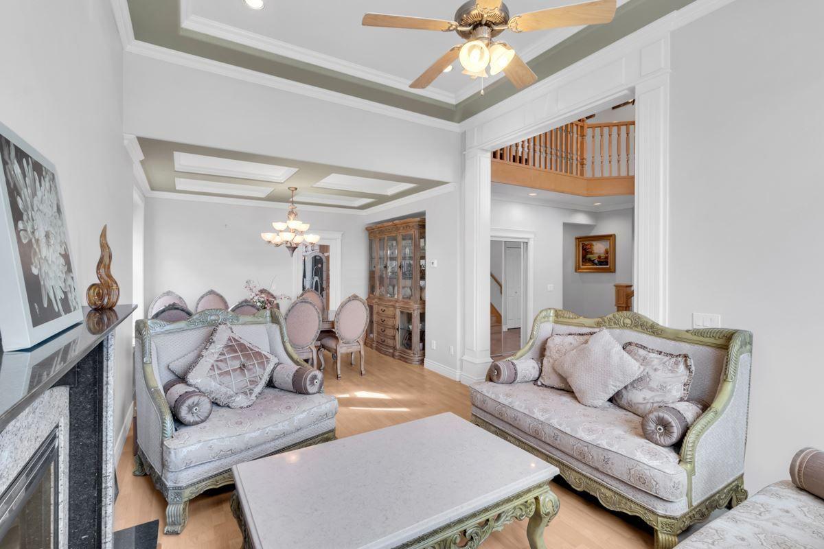 Main Photo: 6589 COLBORNE Avenue in Burnaby: Upper Deer Lake House for sale (Burnaby South)  : MLS®# R2507551