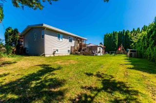 """Photo 3: 45640 NEWBY Drive in Chilliwack: Sardis West Vedder Rd House for sale in """"SARDIS"""" (Sardis)  : MLS®# R2481893"""