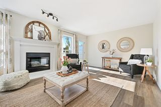 Photo 2: 7 Silvergrove Close NW in Calgary: Silver Springs Row/Townhouse for sale : MLS®# A1150869