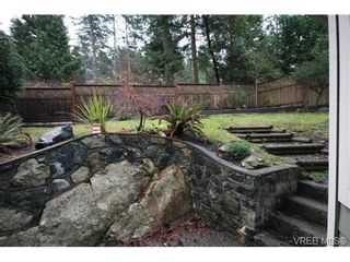 Photo 11: 210 Stoneridge Pl in VICTORIA: VR Hospital House for sale (View Royal)  : MLS®# 718015