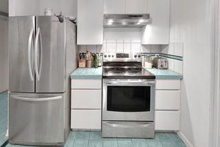 """Photo 9: 301 789 JERVIS Street in Vancouver: West End VW Condo for sale in """"JERVIS COURT"""" (Vancouver West)  : MLS®# R2236913"""