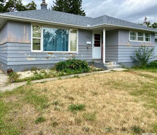 Photo 3: 206 Fourth Street South in Yorkton: Residential for sale : MLS®# SK869643