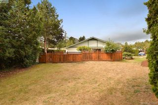 Photo 15: 1 4140 Interurban Rd in VICTORIA: SW Strawberry Vale Row/Townhouse for sale (Saanich West)  : MLS®# 824614