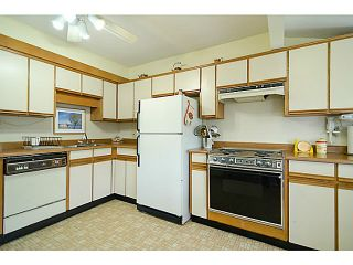 """Photo 6: 2840 TRIUMPH Street in Vancouver: Hastings East House for sale in """"Hastings Sunrise"""" (Vancouver East)  : MLS®# V1033921"""