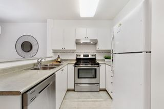 """Photo 10: 301 260 NEWPORT Drive in Port Moody: North Shore Pt Moody Condo for sale in """"THE MCNAIR"""" : MLS®# R2505902"""