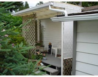 """Photo 2: 17 12868 229TH Street in Maple Ridge: East Central Manufactured Home for sale in """"ALOUETTE RETIREMENT MHP"""" : MLS®# V770985"""