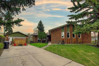 Main Photo: 2420 Palismount Place SW in Calgary: Palliser Detached for sale : MLS®# A1110019