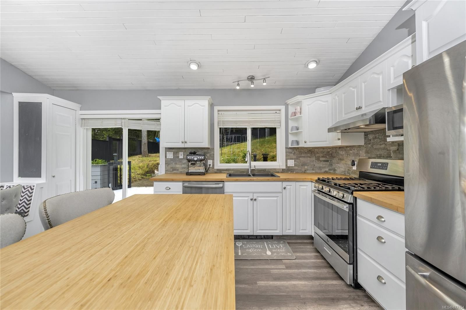 Photo 6: Photos: 2376 Terrace Rd in : ML Shawnigan House for sale (Malahat & Area)  : MLS®# 877154
