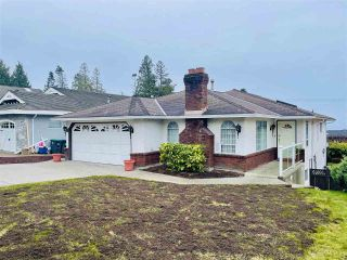 """Photo 2: 13381 MARINE Drive in Surrey: Crescent Bch Ocean Pk. House for sale in """"Ocean Park"""" (South Surrey White Rock)  : MLS®# R2546593"""