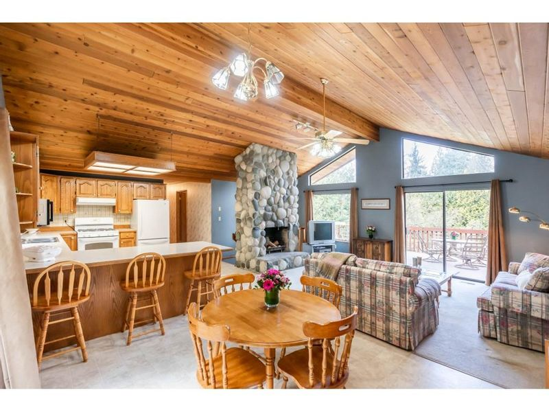 FEATURED LISTING: 6057 243 Street Langley