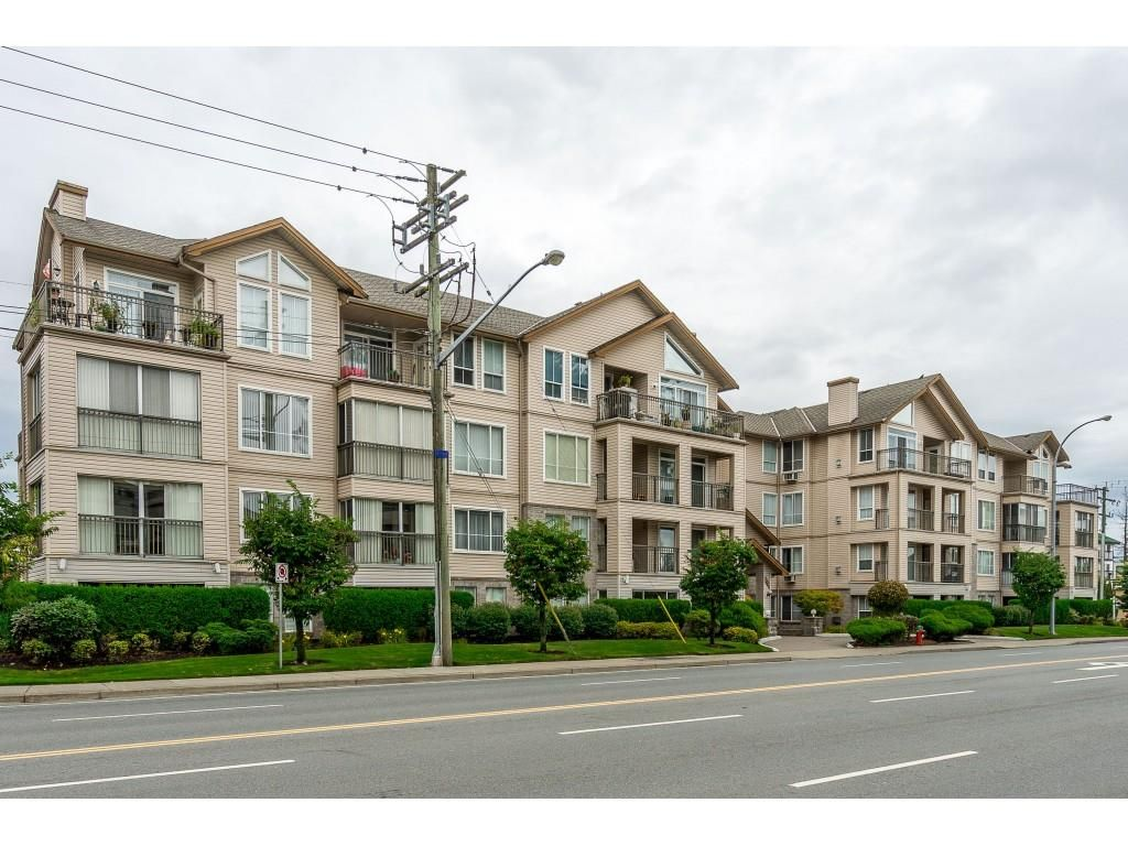 """Main Photo: 303 2772 CLEARBROOK Road in Abbotsford: Abbotsford West Condo for sale in """"Brookhollow Estates"""" : MLS®# R2404491"""