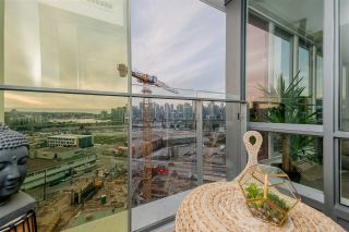 """Photo 16: 1409 1788 COLUMBIA Street in Vancouver: False Creek Condo for sale in """"Epic at West"""" (Vancouver West)  : MLS®# R2392931"""