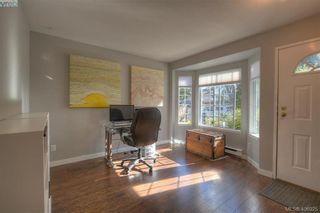 Photo 3: 13 3993 Columbine Way in VICTORIA: SW Tillicum Row/Townhouse for sale (Saanich West)  : MLS®# 808750