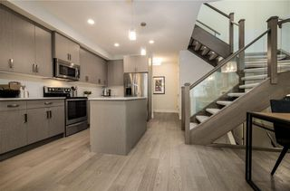Photo 7: 2 1920 25A Street SW in Calgary: Richmond Row/Townhouse for sale : MLS®# A1127031