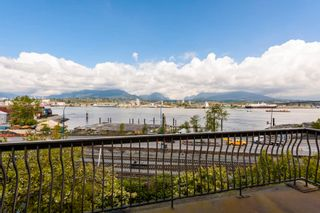 Photo 1: 2855 WALL Street in Vancouver: Hastings House for sale (Vancouver East)  : MLS®# R2572971